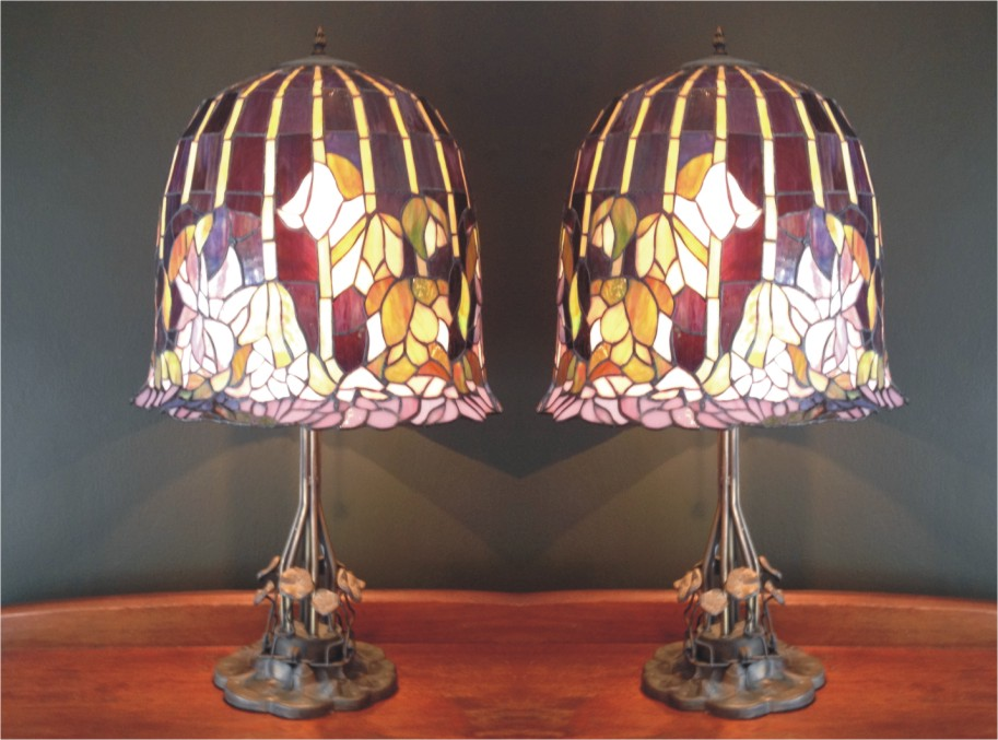 tiffany reproduction stained glass lamp point jewellery exchange. Black Bedroom Furniture Sets. Home Design Ideas
