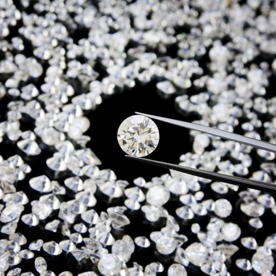 5 Things to ask your Jeweller before buying a Diamond